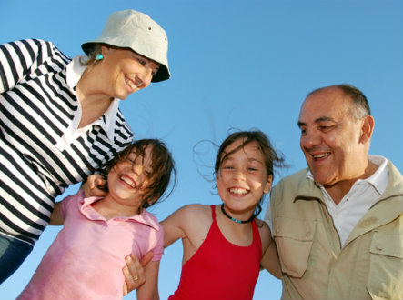 grandparents-on-vacation-with-grandkids